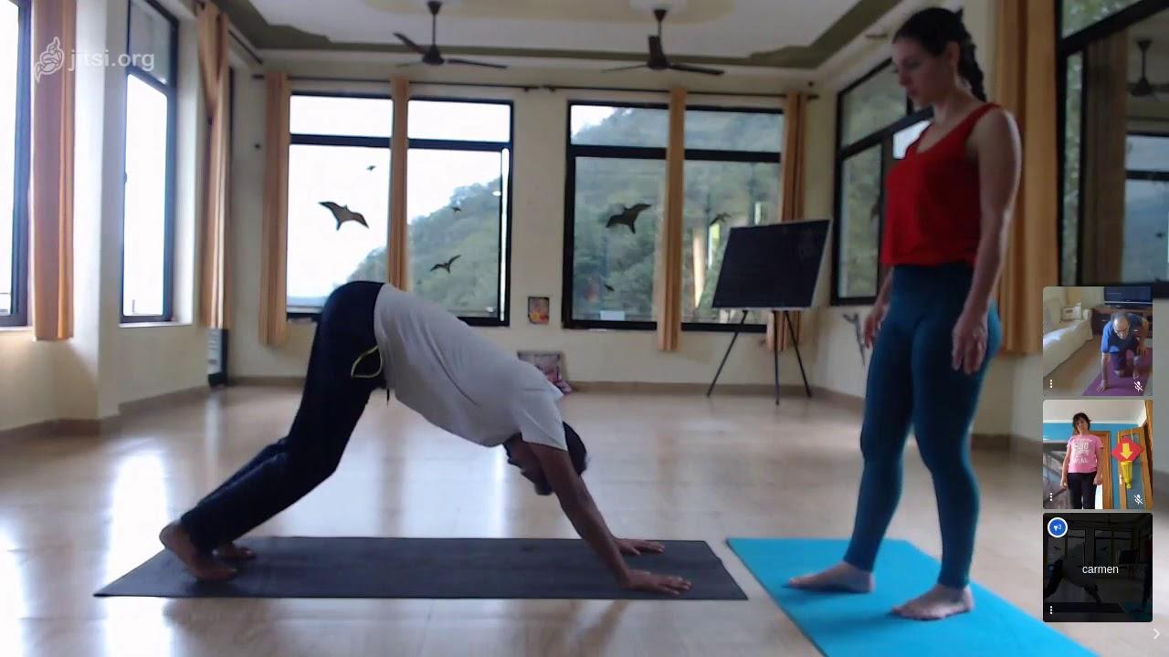 Hatha Yoga desde India con Mohit & Yaiza: Ejercicios para hernia discal