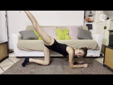 YOGA STRETCHES !🙈Day 1 YOGA AT HOME!