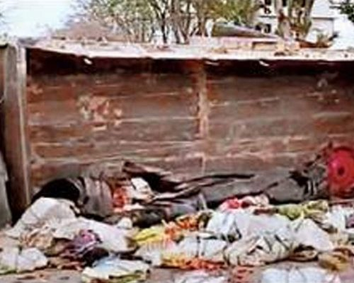 Hyd: 6 die as lorry flips in bid to avoid collision